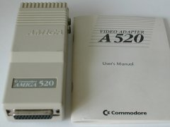 De Amiga A520 TV modulator met handleiding.