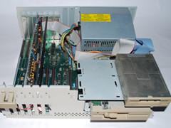 Binnenzijde van de Amiga 2000 computer.