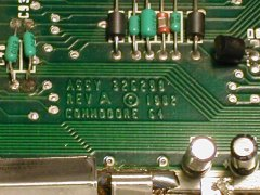 Die Drean C64c hat eins rev.A Motherboard.